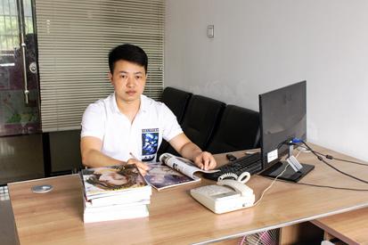 晶莎亚博yabo官方设计总监兼首席设计师-柳文军
