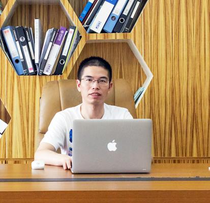 万博网页版登录万博matext登录CMO兼商品总监-周洪明